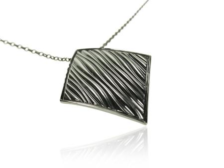 Naszyjnik srebrny Baltic Black